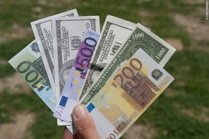 Fake Money to Offer to Ekeko during Bolivia's Alasitas Festival (©photocoen)