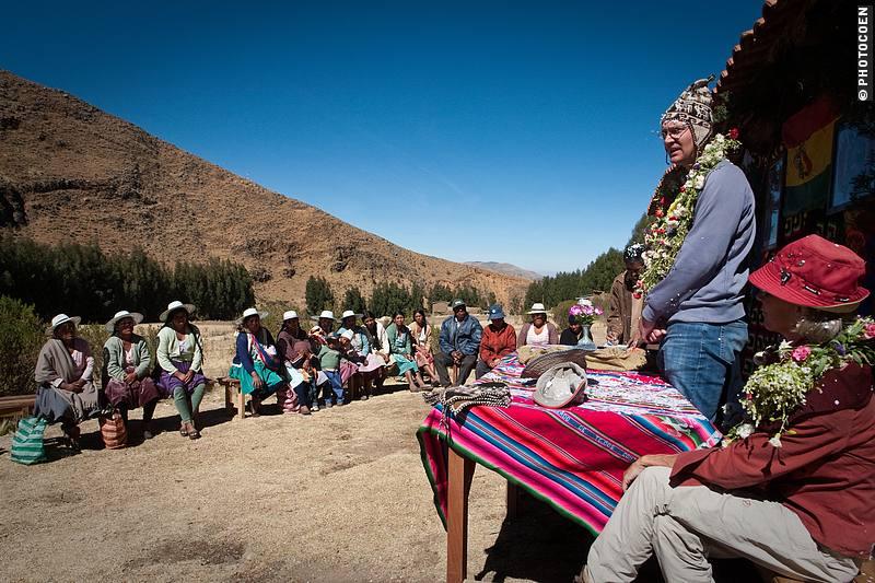 Jaap addresses the community (©Coen Wubbels)