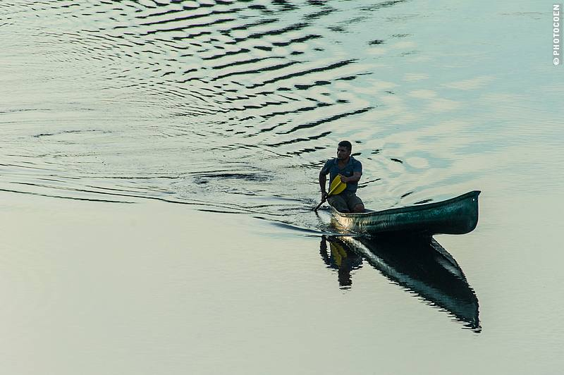 Canoe at La Selva Eco Lodge, Ecuadorian Amazon (©photocoen)