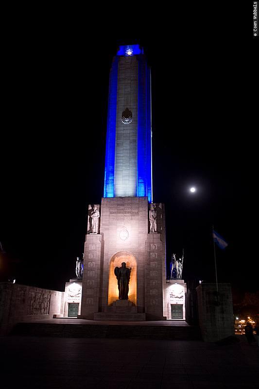 National Flag Memorial in Rosario, Argentina (©photocoen)