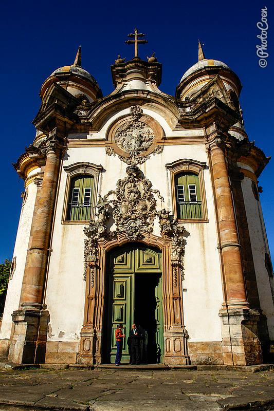 Colonial Church in Minas Gerais (©photocoen)