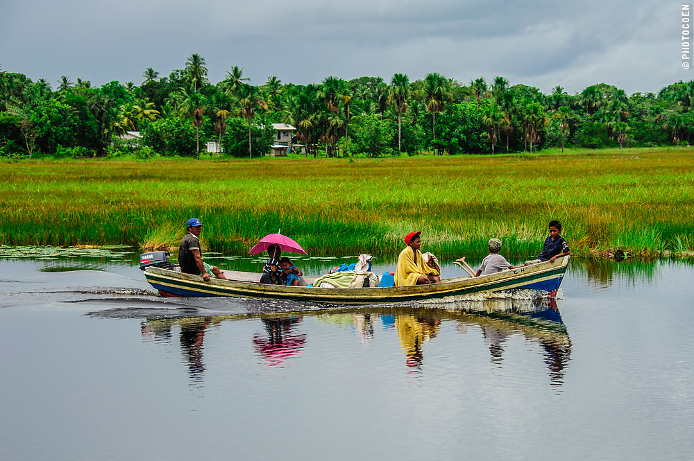 Boating to Moruca, Guyana (©photocoen)