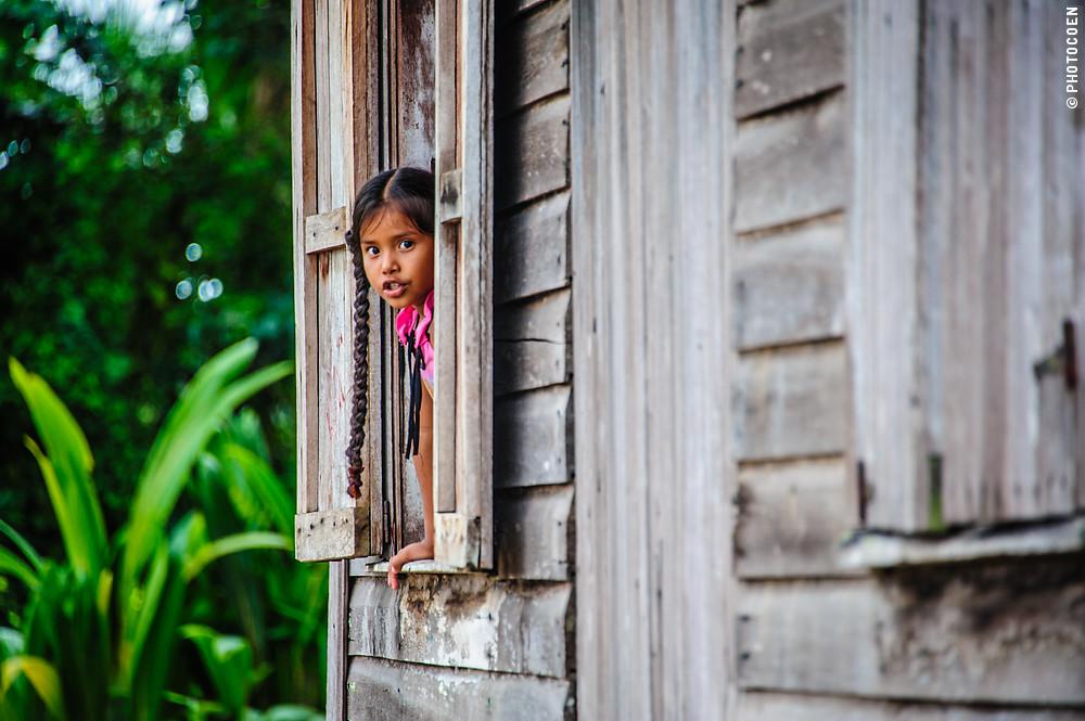 Girl in Moruca, Guyana (©photocoen)