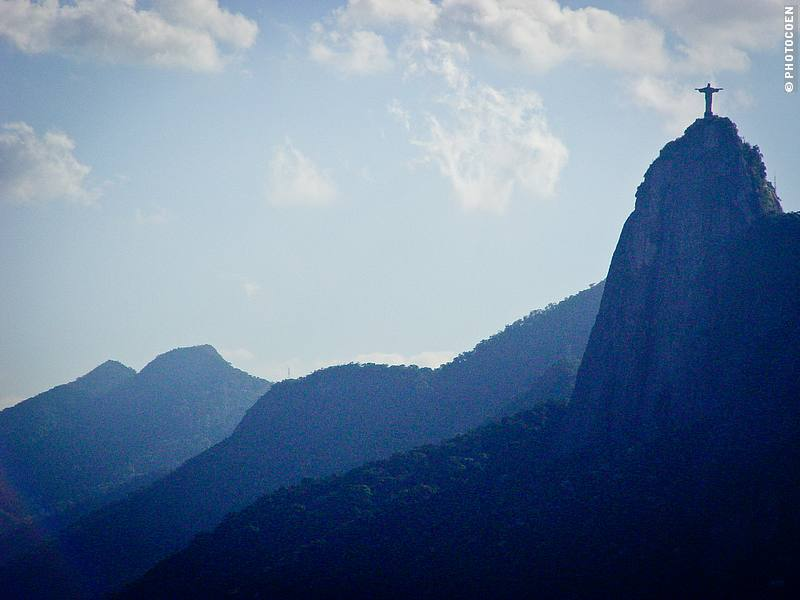 View of Cristo Redentor from Sugar Loaf Mountain (©photocoen)