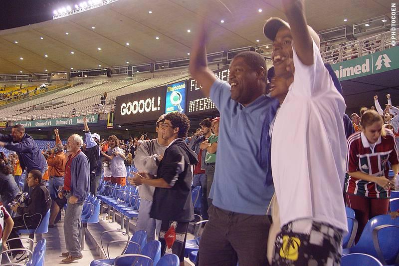 Soccer game in Maracaña Stadium, Rio de Janeiro (©photocoen)