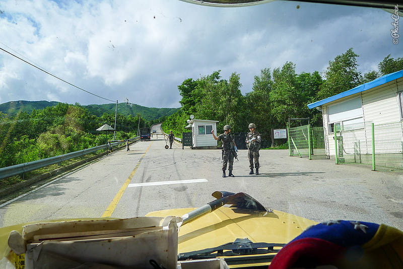 Entering South Korea's Demilitarized Zone (©photocoen)