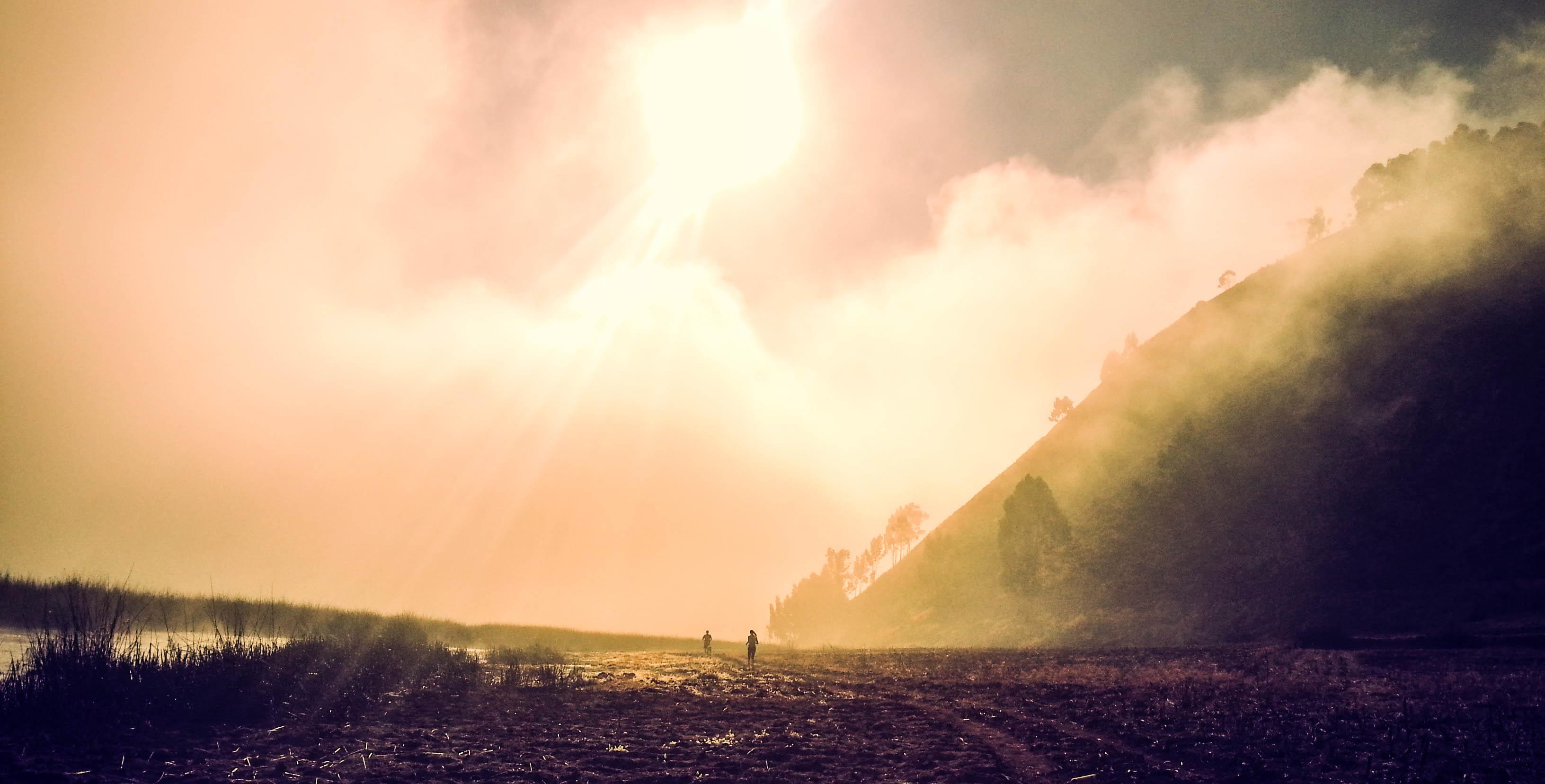 Trail Running in Peru (©Guy van den Branden)